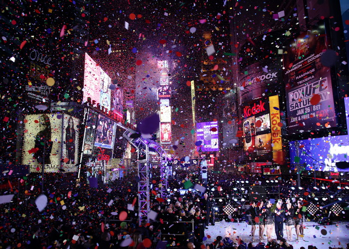 New-York-City-New-Year-2013-Ball-Drop-in-Times-Square-16.jpg